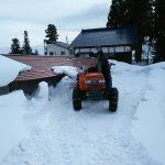 作業庫の除雪作業